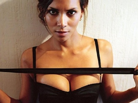 450_halle-halle-berry-body-1533321879