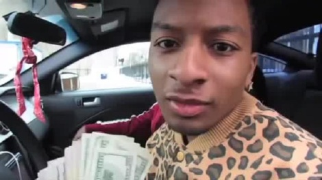 young qc flossing with dead moms money
